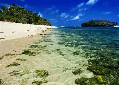 pantai sadranan spot snorkling  jajaran pantai gunung