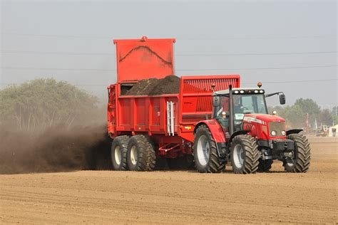 Pupuk Pn file manure spreader record 2 jpg wikimedia commons