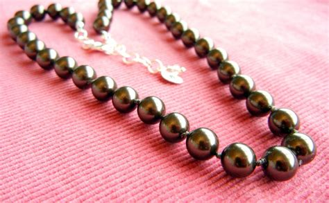 how to make jewelry necklace how to make a knotted pearl necklace rings and things