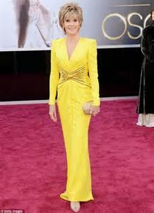jane fonda yellow dress oscars 2013 shirley bassey reveals she won t be sharing