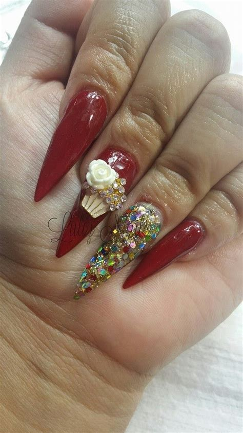 imágenes de uñas rojas con dorado lujo u 241 as rojas puntas de oro modelo ideas de dise 241 o de