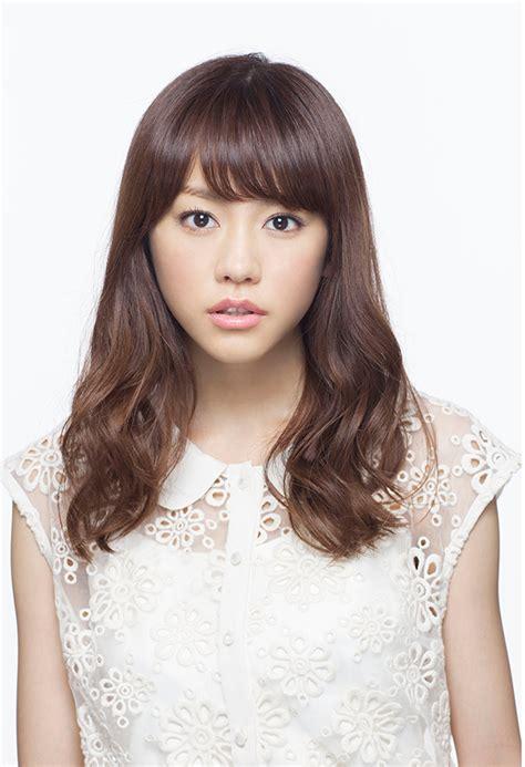 suzu hirose voice actress crunchyroll mirei kiritani stars in netflix japan fuji