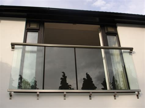 Juliet Balcony Balustrading In Glass Glass Balustrades Balcony Systems