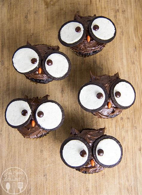 Think Cook Cook Ornamen Owl owl cupcakes like like