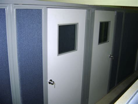 Cubicle With Door by Office Cubicles With Doors Modern Office Cubicles