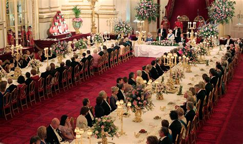 Formal Table Setting by Buckingham Palace Visitors To Get Royal Welcome At Summer
