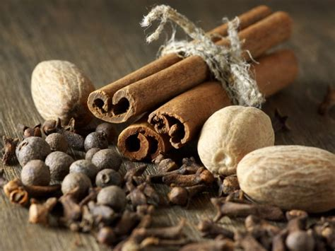 5 amazing substitutes of cloves organic facts