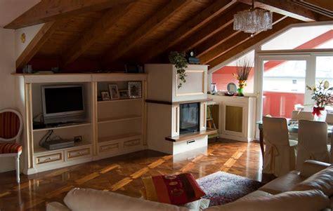 arredamento per mansarde mansarda da abitare arredamento mansarda legnoeoltre
