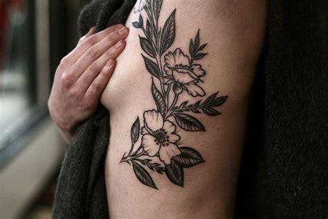 tattoo pain unbearable 1000 ideas about rose rib tattoos on pinterest lace