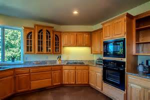 Kitchen Painting Ideas With Oak Cabinets Painting Oak Kitchen Cabinets White Homydesigns Com