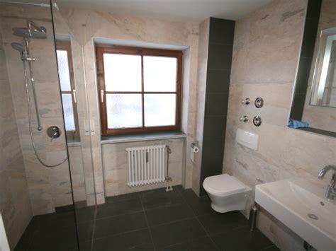 badezimmer mit begehbarer dusche ferienwohnung steuer allg 228 u firma ferienagentur