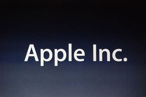 apple company is apple showing signs of losing market share revenue