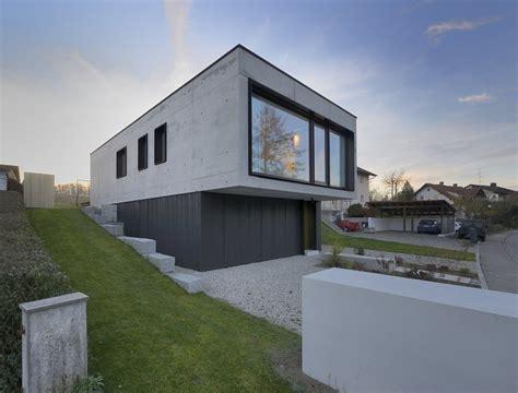 sichtbeton haus einfamilienhaus in aiterbach minimalistischer monolith