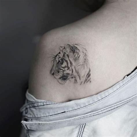 21 Tiger Tattoo Ideas For Ladies Styleoholic Small Tiger Tattoos For