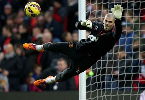 barcelona goalkeeper history the changing trend of signing credible back up goalkeepers