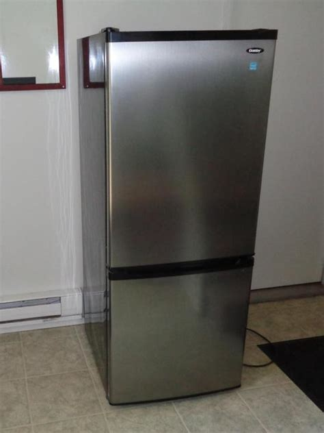 Apartment Size Fridge At The Brick 9 2 Cu Ft Danby Apartment Size Refrigerator Freezer