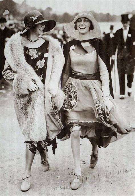 pictures of middle age flappers women s street fashion of the 1920s vintage everyday