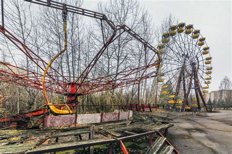 theme park explosion pictures of the pripyat theme park 30 years after