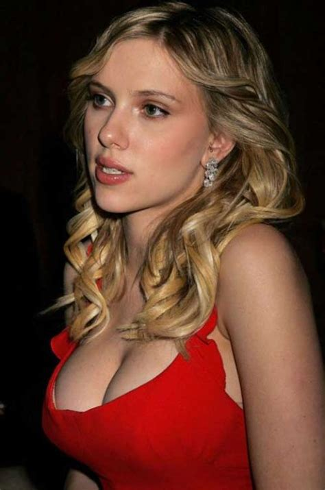top 5 celebrities with best cleavage wonderbra names the best celebrity cleavages 22 pics