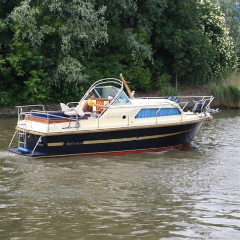 kajuitboot huren biesbosch luxe kajuitboot met verwarmde hut