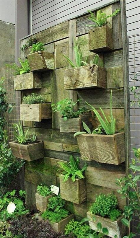 Wall Planters Outdoor by Pallet Outdoor Wall Planters Diy