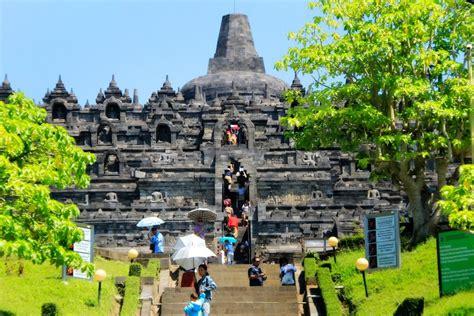 Satu Abad Usaha Penyelamatan Candi Borobudur candi borobudur keajaiban dunia dari abad ke 9 indonesiakaya eksplorasi budaya di
