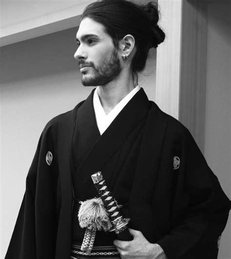 hair cut with samuri swords samurai topknot www pixshark com images galleries with
