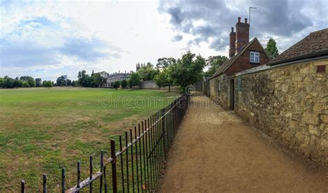 Meadow Cottages Oxford Oxfordshire In Oxford With Church Meadow On