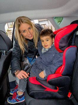 Kinder Im Auto Vorne by Den Richtigen Autokindersitz Finden Kindersitz Im Test