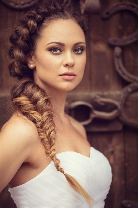 spartan hairstyles greek hairstyles our favorite modern day hair ideas