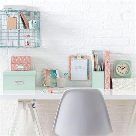 Pretty Desk by 25 Best Ideas About Desk On Office