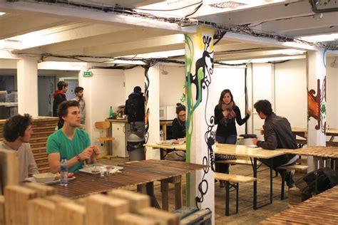 Céruser Une Table by Les Petites Tables Le Caf 233 De L Archipel Un Resto