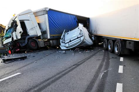 Auto Lawyers In Chicago 1 by Truck Accidents Dax Garza