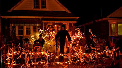 homes decorated for halloween 15 spooky halloween home decorations home design lover