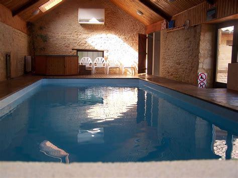 maison p 233 rigourdine avec piscine d int 233 rieure chauff 233 e 28