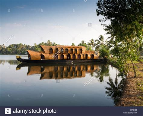 house boat india india kerala backwaters kettuvallam boat trip houseboat