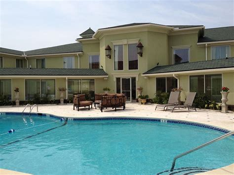 town country inns town country inn and suites in charleston hotel rates