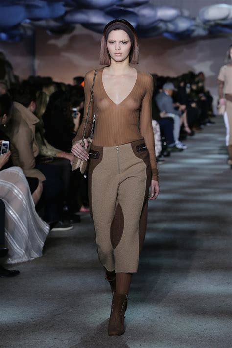 kendall jenner fashion week 2014 kendall jenner in marc jacobs s fall 2014 runway show