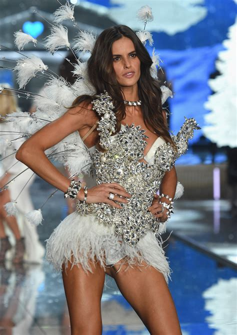 s runway secret victoria s secret fashion show 2015 all the runway looks