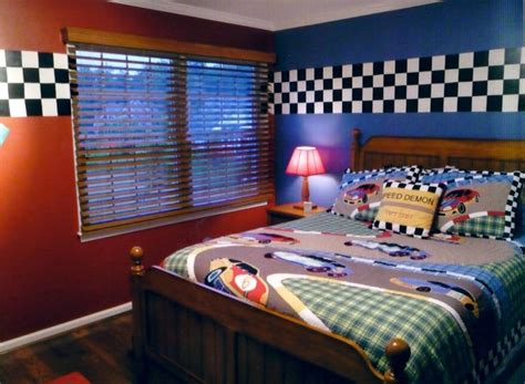 cars themed bedroom race car bedroom love the paint and checkered border