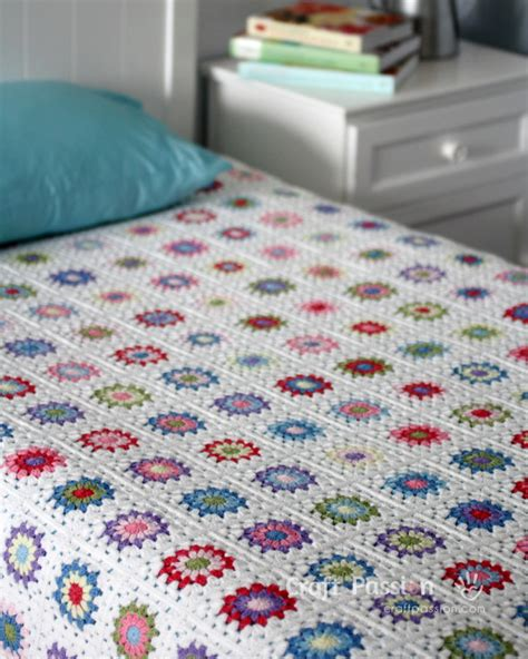 Square Afghan Blanket by Sunburst Square Blanket Free Crochet Pattern