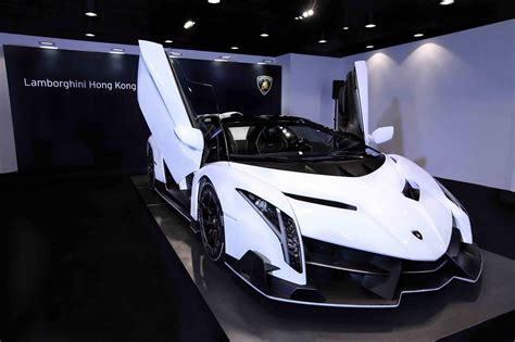 lamborghini veneno wallpaper white lamborghini veneno roadster wallpaper hd car