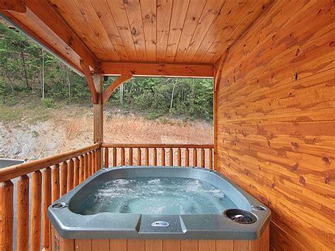 9 bedroom cabin gatlinburg gatlinburg cabin gatlinburg mansion 9 bedroom sleeps 32 jacuzzi bunk beds
