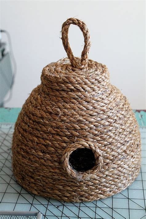 Beehive Decorations by Diy Make This Beehive For Your Front Porch For 10 Better Housekeeper