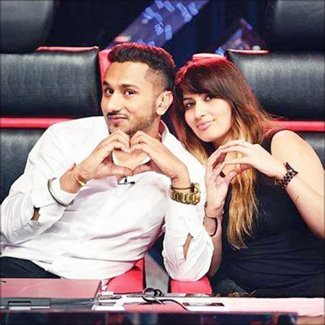 Pics On Honey Singh N His Wife | check out honey singh with wife shalini on reality show