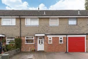 Garage Aldershot by Martin Co Aldershot 3 Bedroom Terraced House For Sale In
