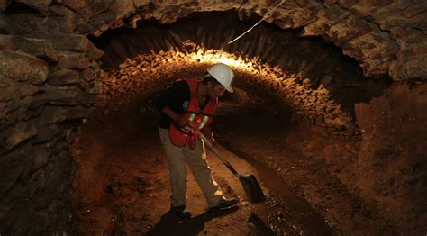 discovery  secret underground tunnels  mexico confirms