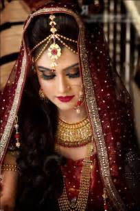 simple hairstyle on indian dress images