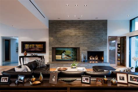Home Source Interiors by Exclusive Beverly Hills Residence Offers Lovely Terrace