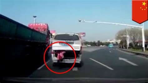 boat navigation lights dont work child falls out of moving van in china grandfather doesn